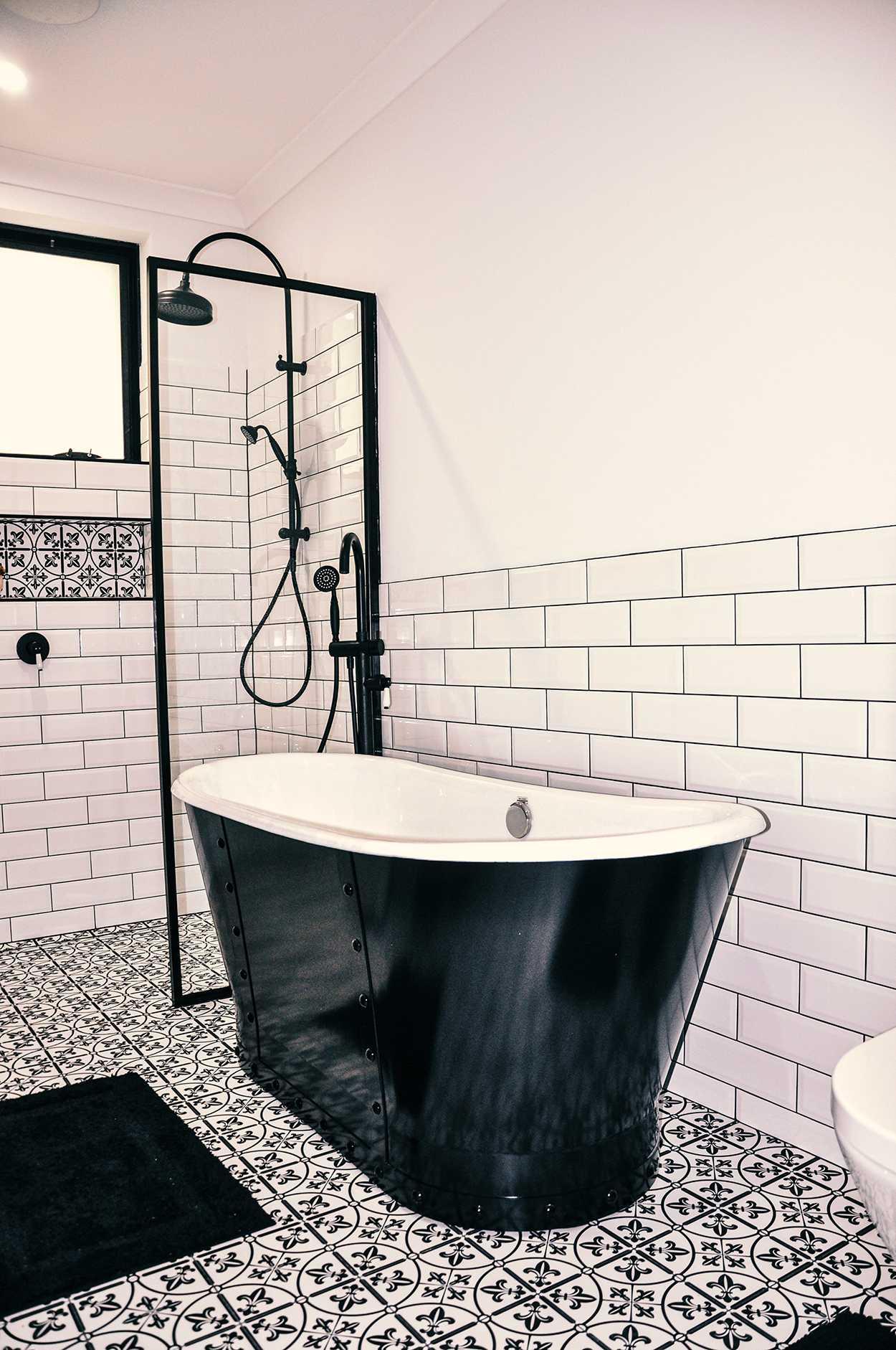 black and white freestanding bathtub freestanding bathtub with shower in Perth