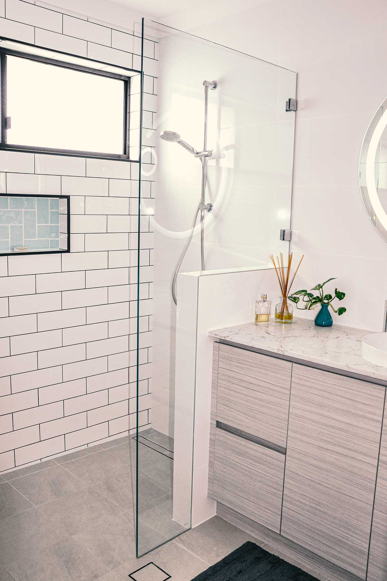 beautiful frameless shower screen in perth