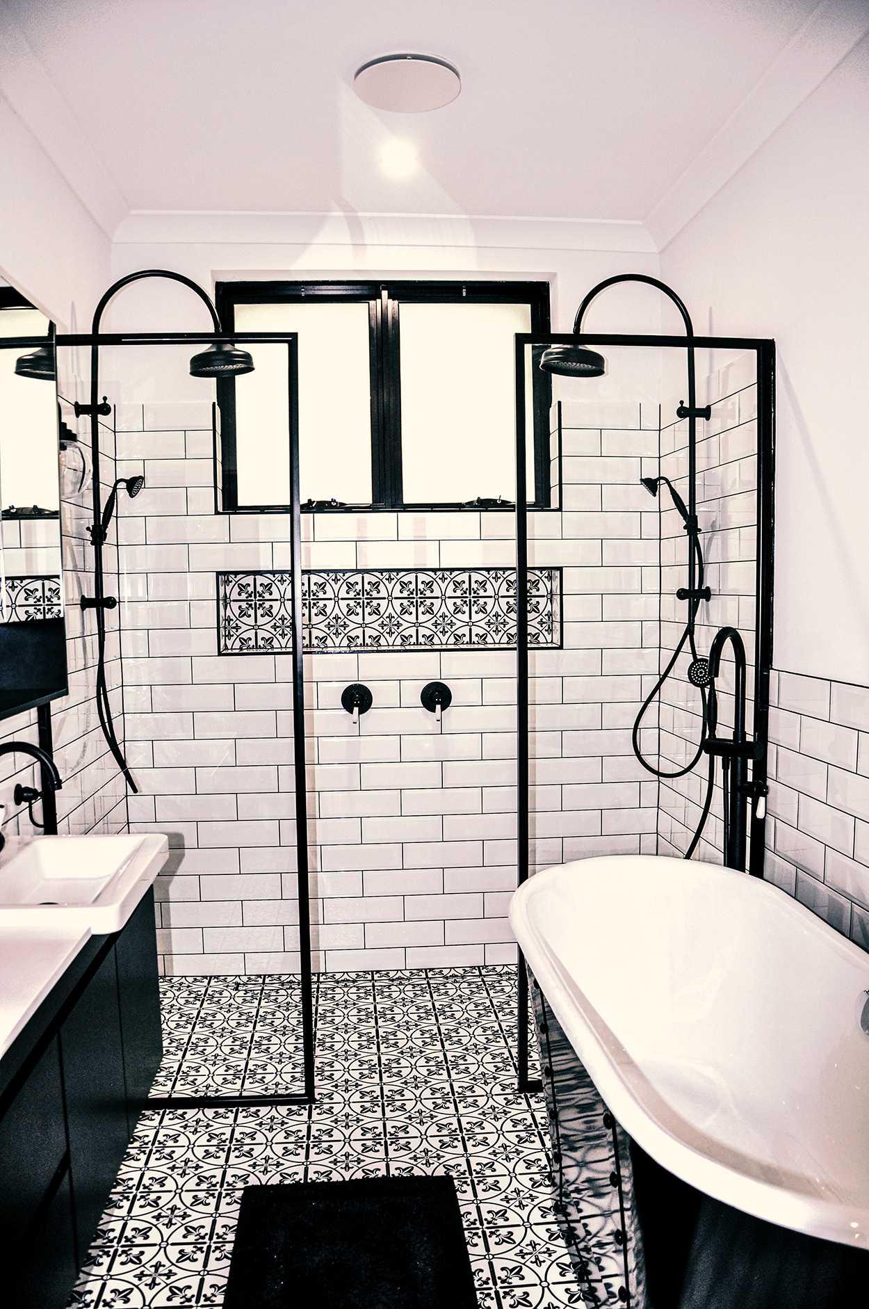 comfortable luxury bathrooms design
